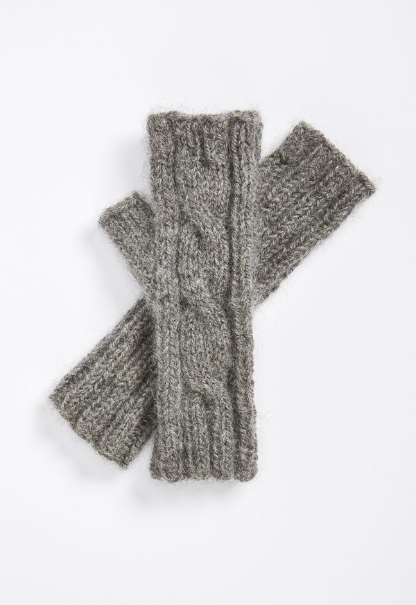 gray_cabled_mitts-020